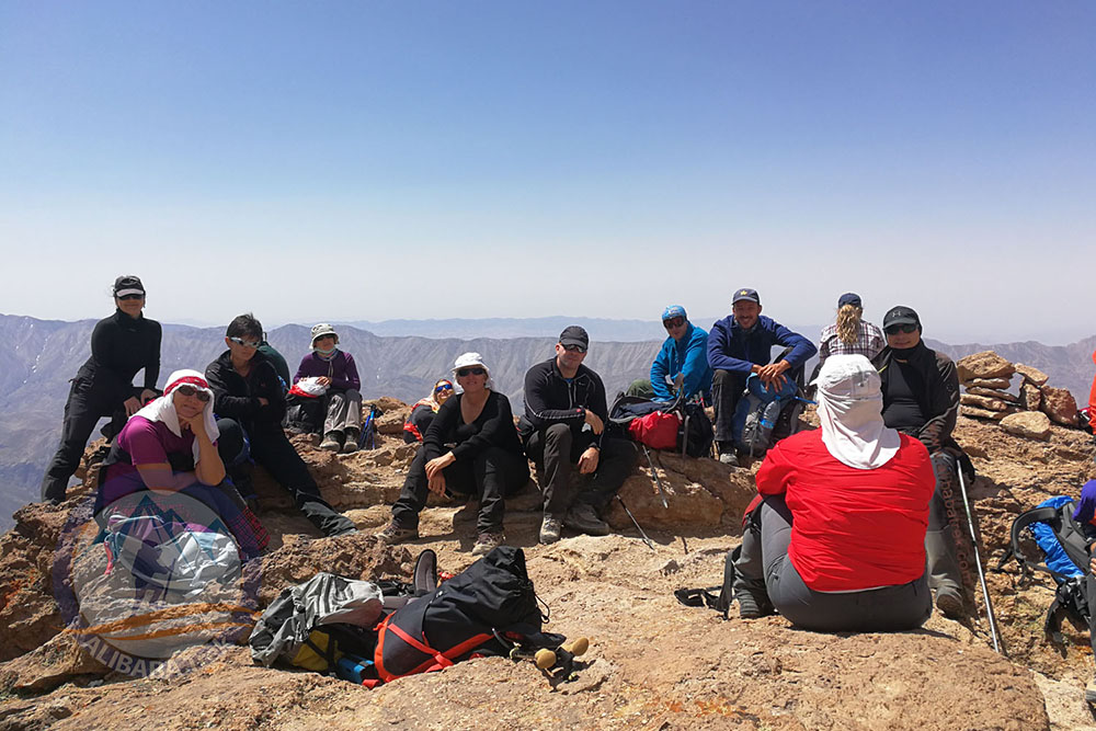 Acclimatization at 4600 m on Mount Damavand