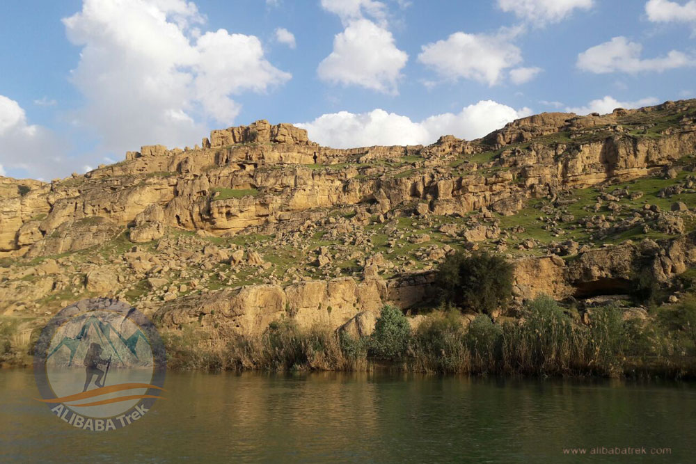 Chalkandi Canyon in Dez River