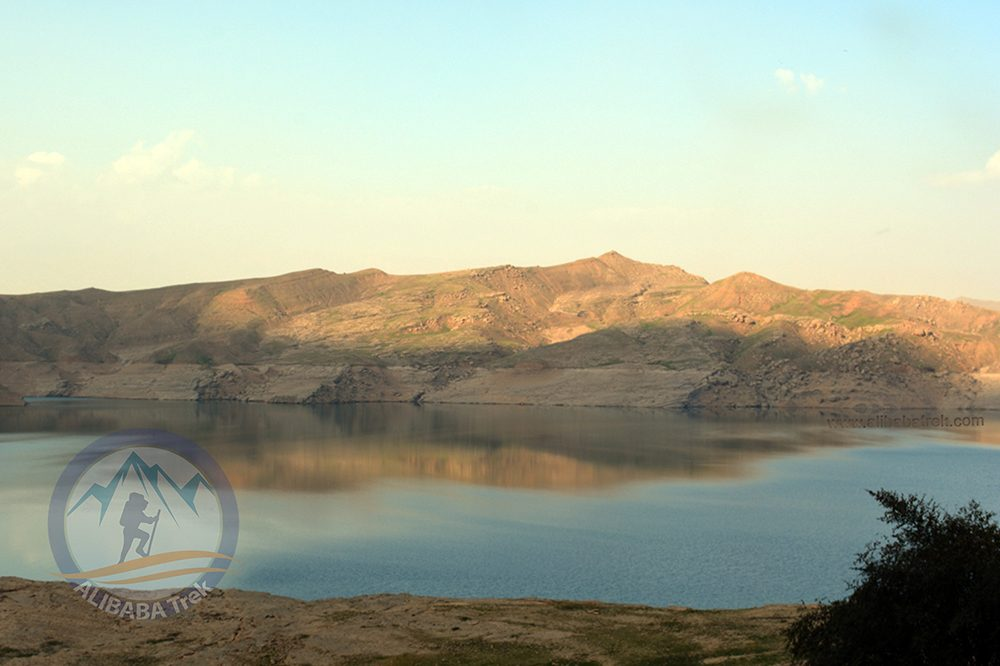 Alibabatrek iran travel visit iran iran tour Iran Dez island Iran off the beaten track Iran off the beaten path Iran dezful Dez river Khuzestan travel Dezful tour Dez iran