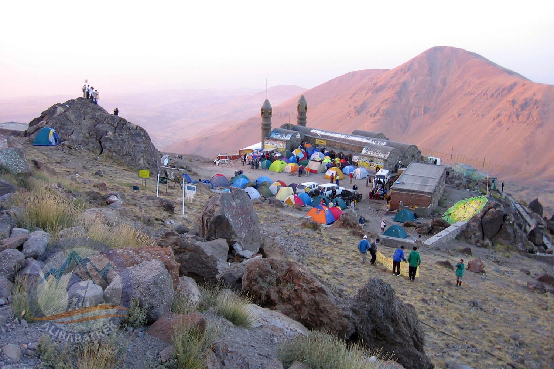 Sabalan Northeast hut (3650m)