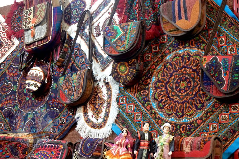 alibabatrek travel iran tour visit bandarabbas sea port sightseeing bandar abbas tourist attraction palces to see in bandar abbas persian gulf hormozgan province south iran bandar abbas great bazar