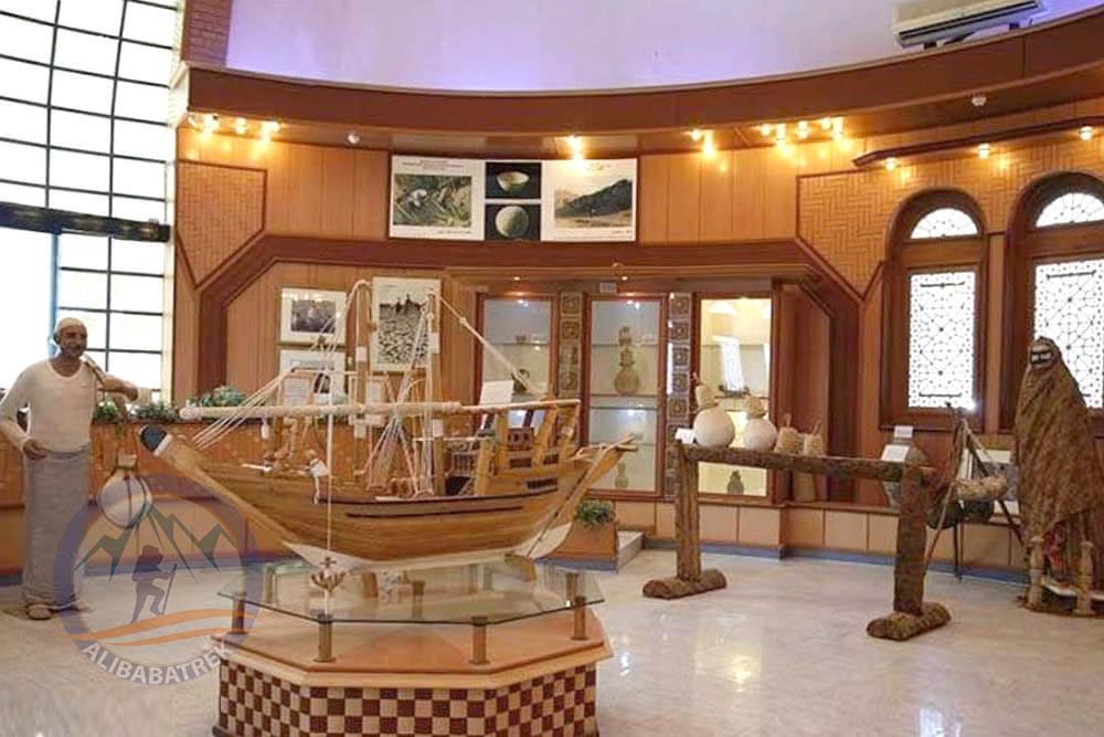 alibabatrek travel iran tour visit bandarabbas sea port sightseeing bandar abbas tourist attraction palces to see in bandar abbas persian gulf hormozgan province south iran bandar abbas museum