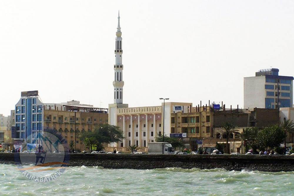 alibabatrek travel iran tour visit bandarabbas sea port sightseeing palces to see in bandar abbas persian gulf hormozgan province south iran bandar abbas delgosha mosque