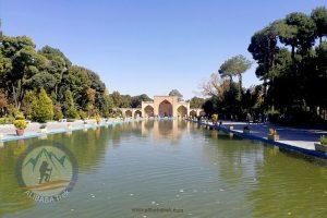 Alibabatrek Iran Travel visit iran tour Travel to Isfahan sightseeing Trip to Isfahan city tour tourism isfahan tourist attractionChehel Sotoun
