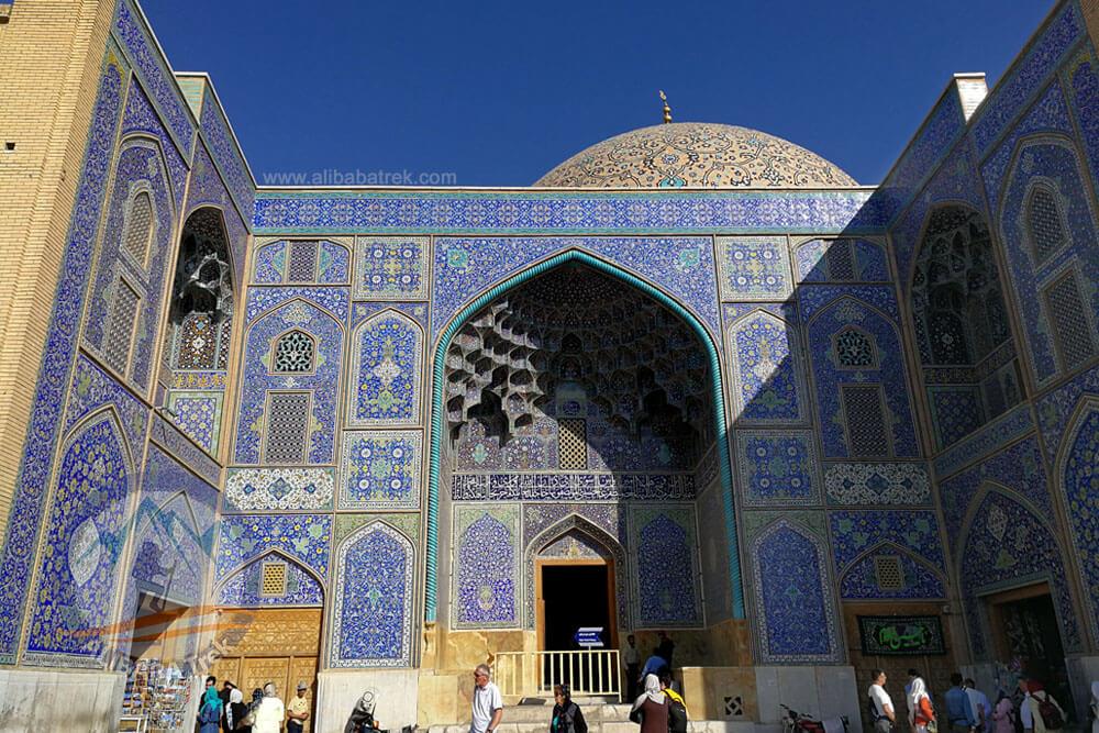 Alibabatrek Iran Travel visit iran tour Travel to Isfahan sightseeing Trip to Isfahan city tour tourism isfahan tourist attractionSheikh Lotfollah