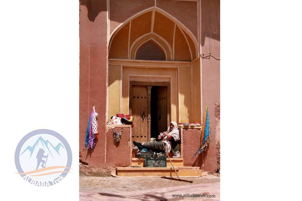Alibabatrek Iran Travel visit iran tour Travel to kashan sightseeing Trip to kashan ity tour tourism kashan tourist attraction Abyaneh Village