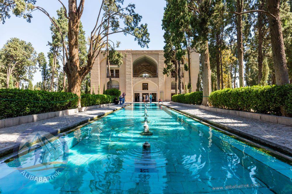 Alibabatrek Iran Travel visit iran tour Travel to kashan sightseeing Trip to kashan ity tour tourism kashan tourist attraction Fin Garden