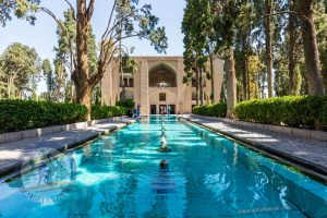 Alibabatrek Iran Travel visit iran tour Travel to kashan sightseeing Trip to kashan ity tour tourism kashan tourist attraction Fin Garden