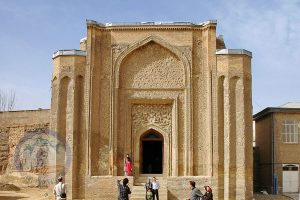 Alavian Dome, Square mosque-turned-mausoleum from Seljuk times with exterior inscriptions & interior carvings.