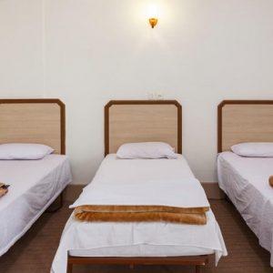 Alibabatrek iran travel visit iran tour iran hotel booking iran hotels hostel iran Kashan hotels cheap hotels in Kashan hostels Sayyah Hotel Kashan