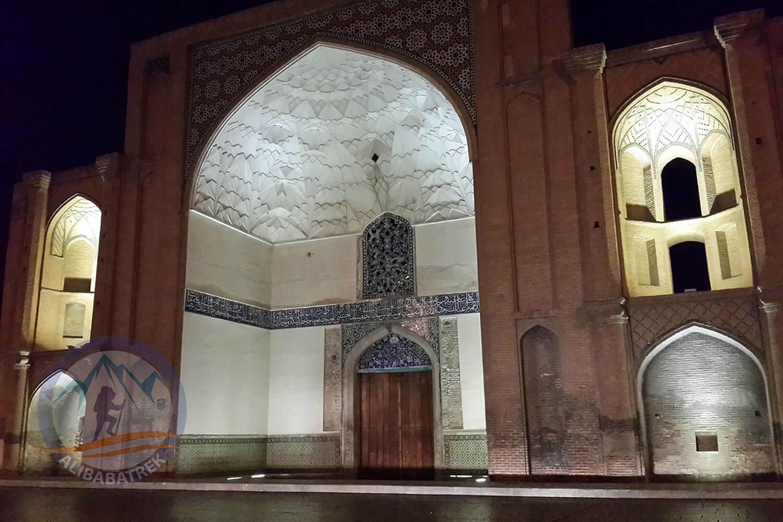 Alibabatrek iran tour Iran journey Tour to Iran in 3 weeks Explore iran alighapou palace museum