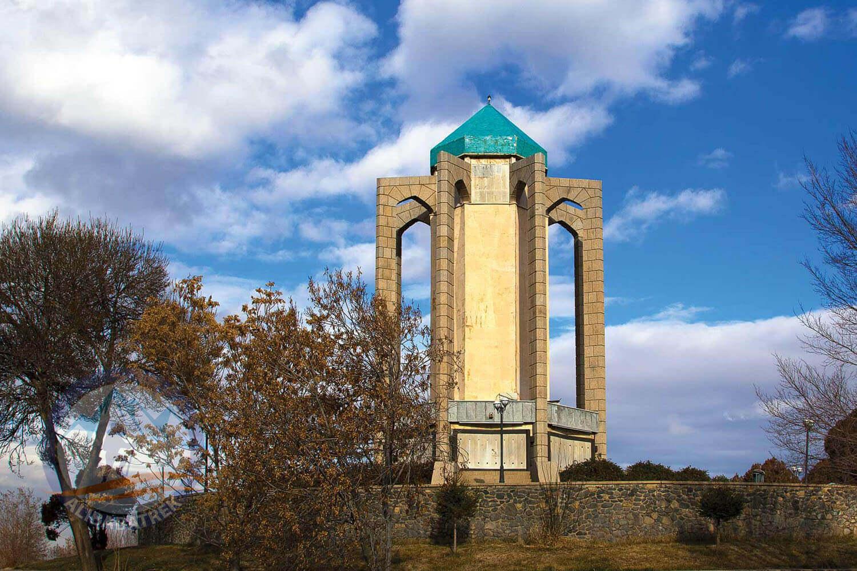 Alibabatrek iran tour Iran journey Tour to Iran in 3 weeks Explore iran hamedan tomb of baba taher