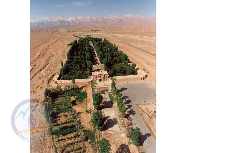 Alibabatrek iran tour packages Tour in iran Persia tour Iran cultural tour Shazdeh Garden1