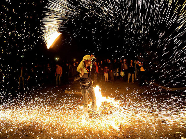 fireworks-iran-Nowruz and its Origins - alibabatrek - Celebration of Nowruz - Iran blog - Persian new year