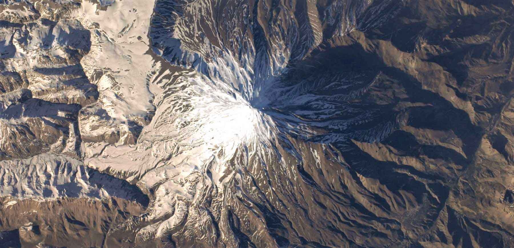 alibabatrek Damavand Volcanic crater Damavand magma mountain trekking iran blog -Iran-Tour