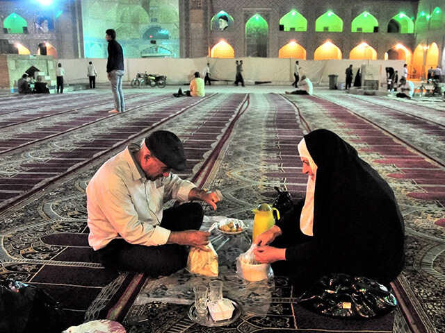alibabatrek What Is It Like To Travel Iran During Ramadan iran blog -Iran-Tour Iran tour Ramezan, Iftar, Eftar