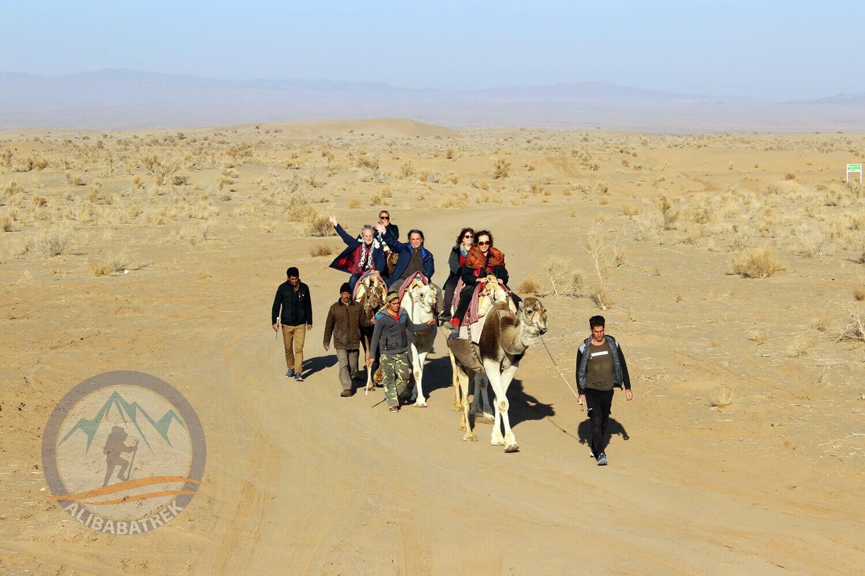 alibabatrek iran tour Classic Persia Tour & Iran Cultural Tour maranjab desert