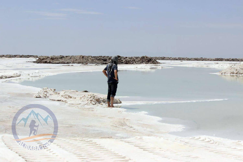 Alibabatrek Iran central desert trekking tour salt lake 2