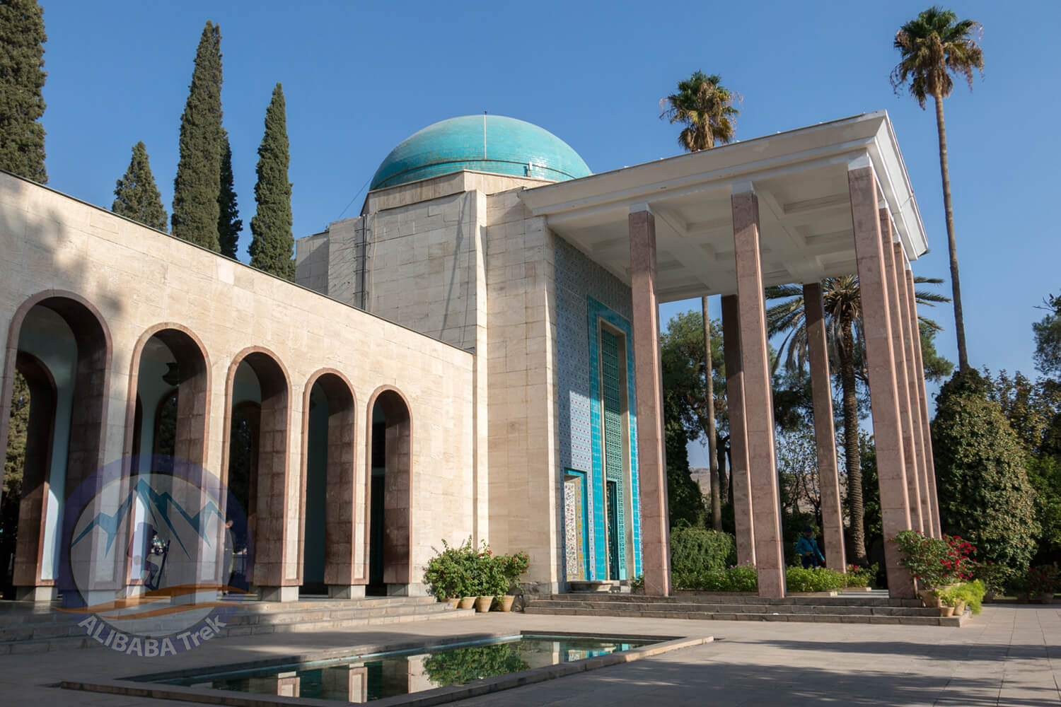 Alibabatrek iran deserts and culture tour Tomb of Saadi