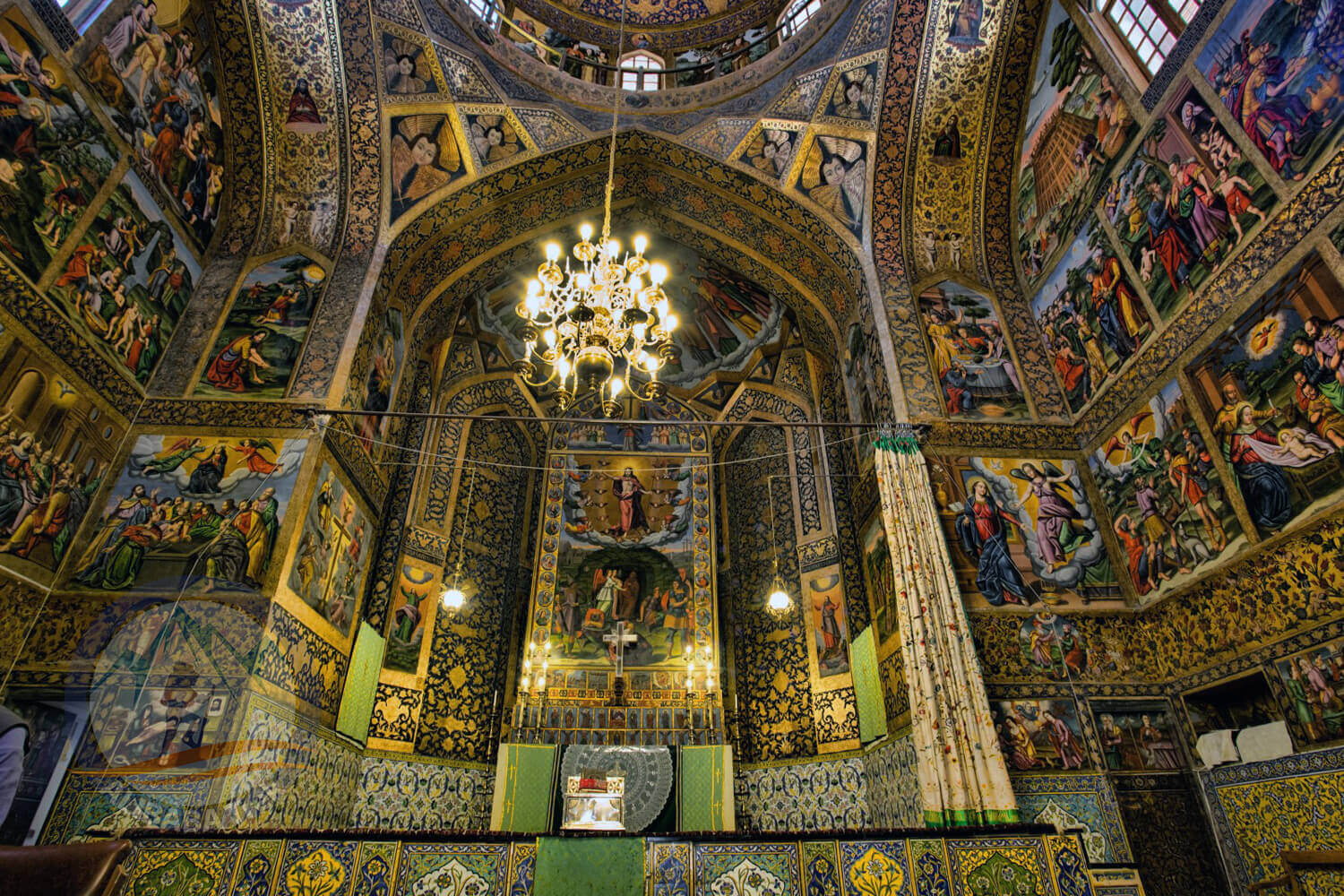 Alibabatrek iran deserts and culture tour Vank Cathedral