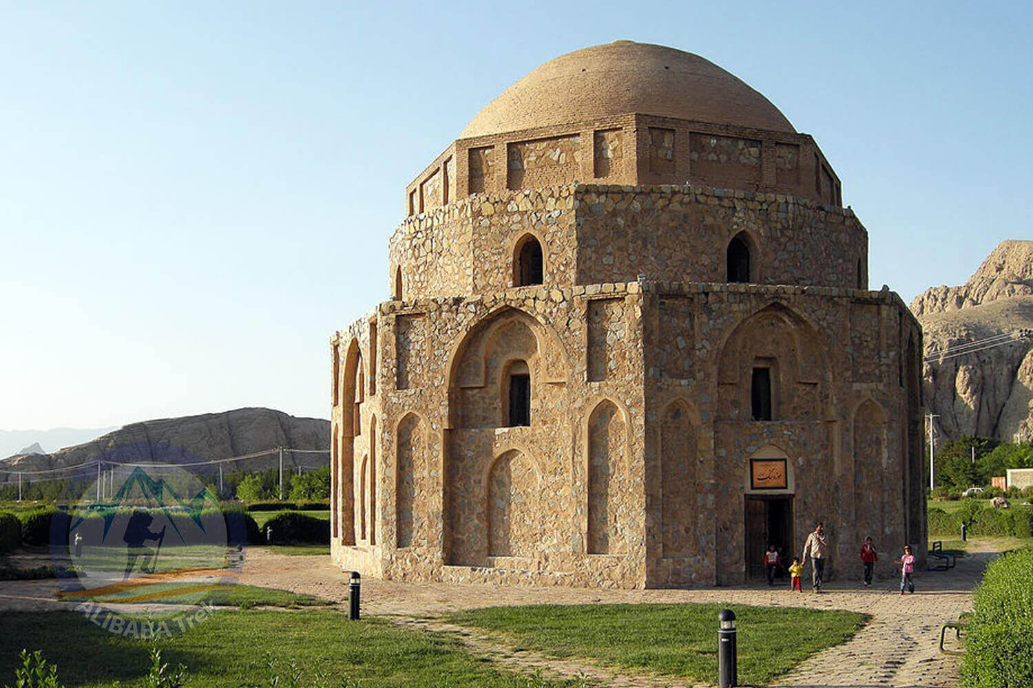 Alibabatrek iran tour kerman travel guide tours in kerman Jabalieh Dome