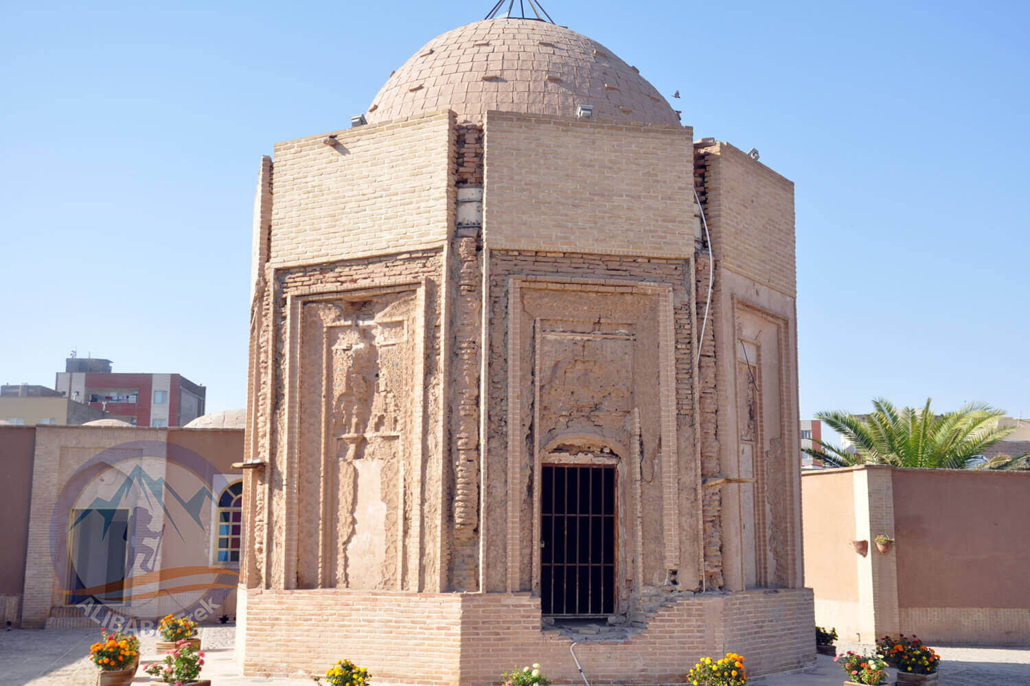 Alibabatrek iran tour kerman travel guide tours in kerman Khajeh Atabak Tomb
